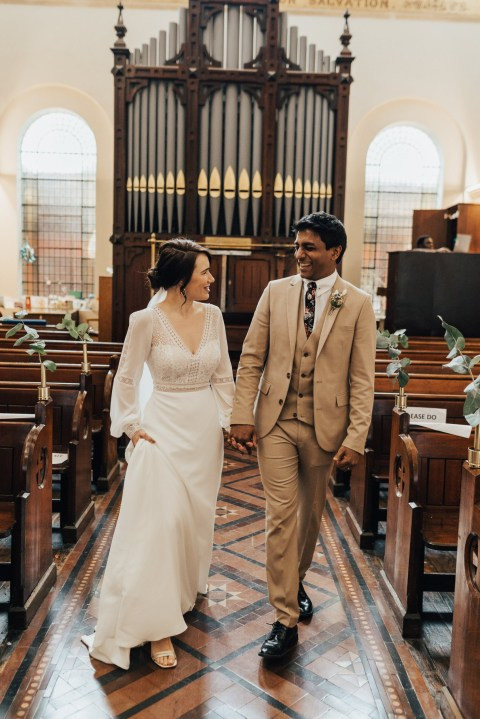 Doctor and nurse who cancelled their wedding due to Coronavirus pandemic tie the knot in hospital chapel (photos)