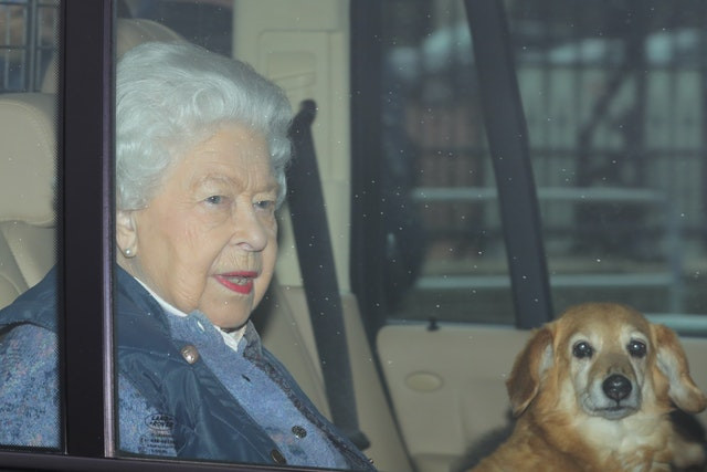 Queen makes her first public appearance since Coronavirus lockdown (photos)