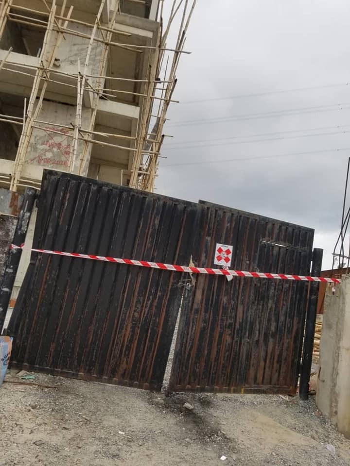 Lagos government seals off 34 buildings in Banana Island for not having land permits (photos)