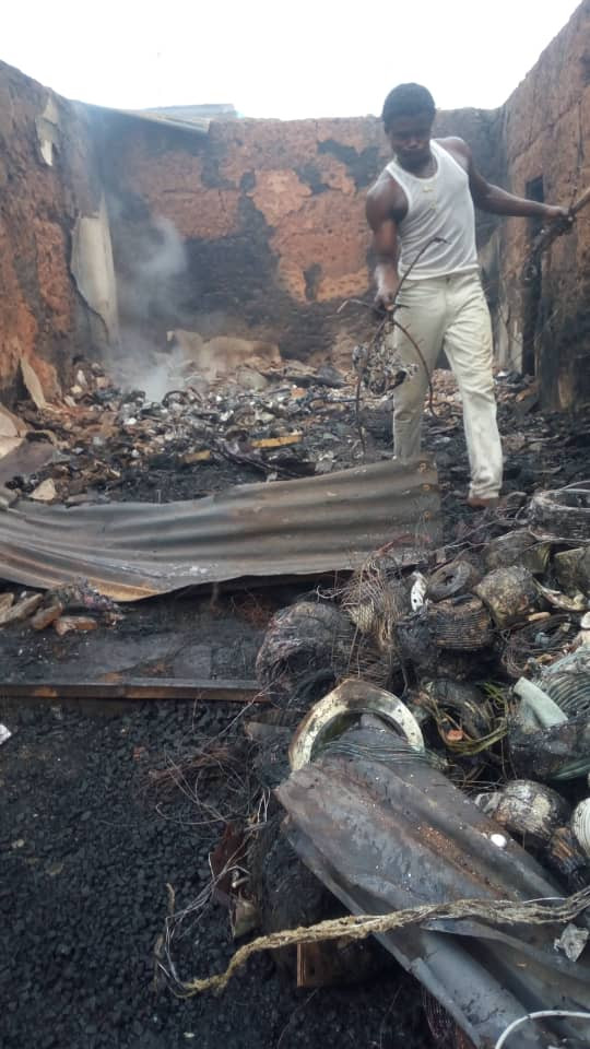 Fire outbreak destroys twenty shops and five houses in Akure (photos)