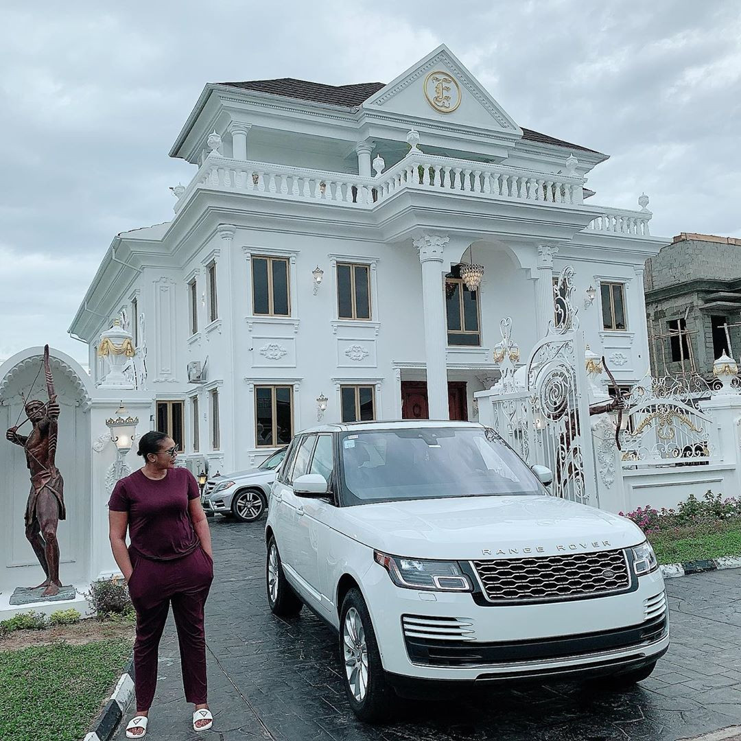Ehi Ogbebor, owner of Sayaveth interiors, gifts herself a 7-bedroom mansion  on her 35th birthday (photos/video)