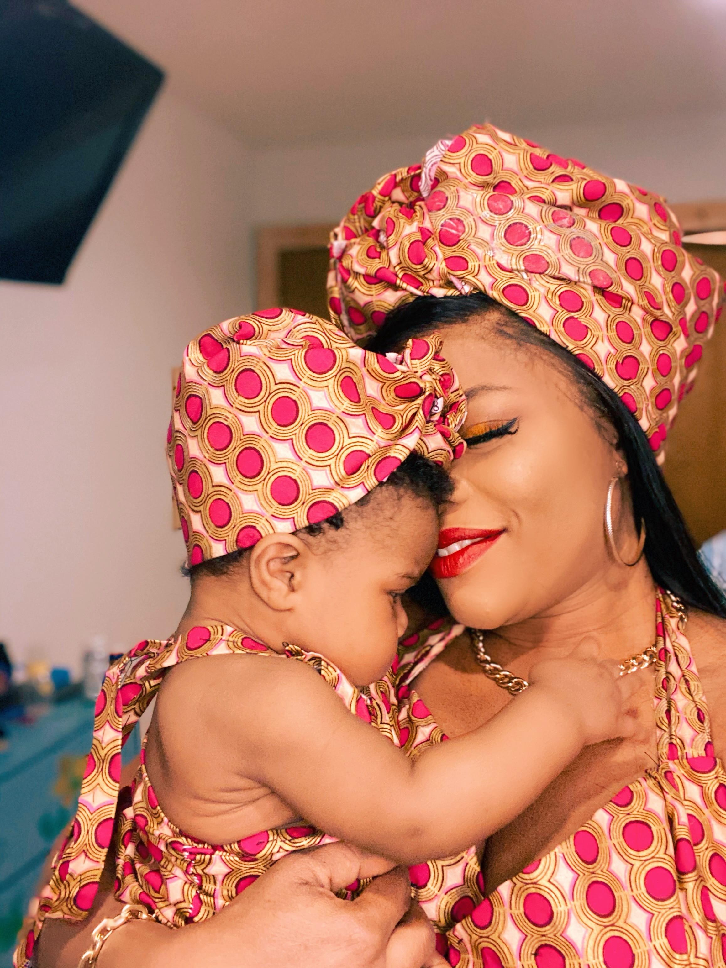 Laura Ikeji-Kanu and her daughter, Laurel, twin in Ankara (photos)