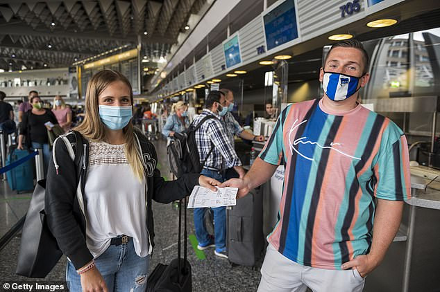 Major U.S. airlines threaten to ban passengers who refuse to wear masks during their flights under new rules