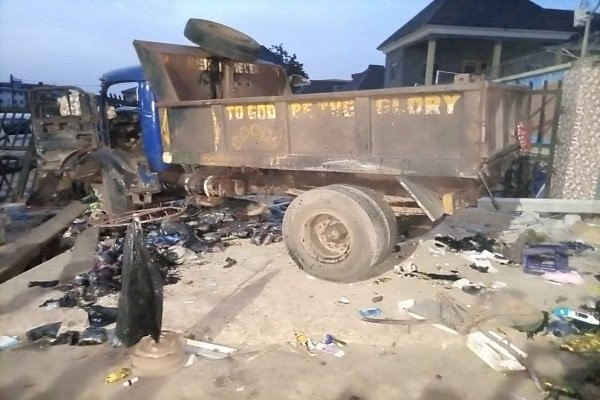 Two women killed in fatal accident in Anambra (photos)