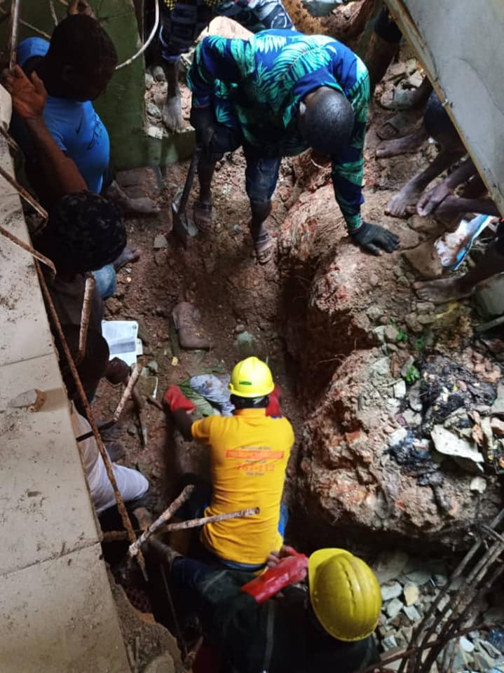 Two children die as building collapses in Lagos (photos)