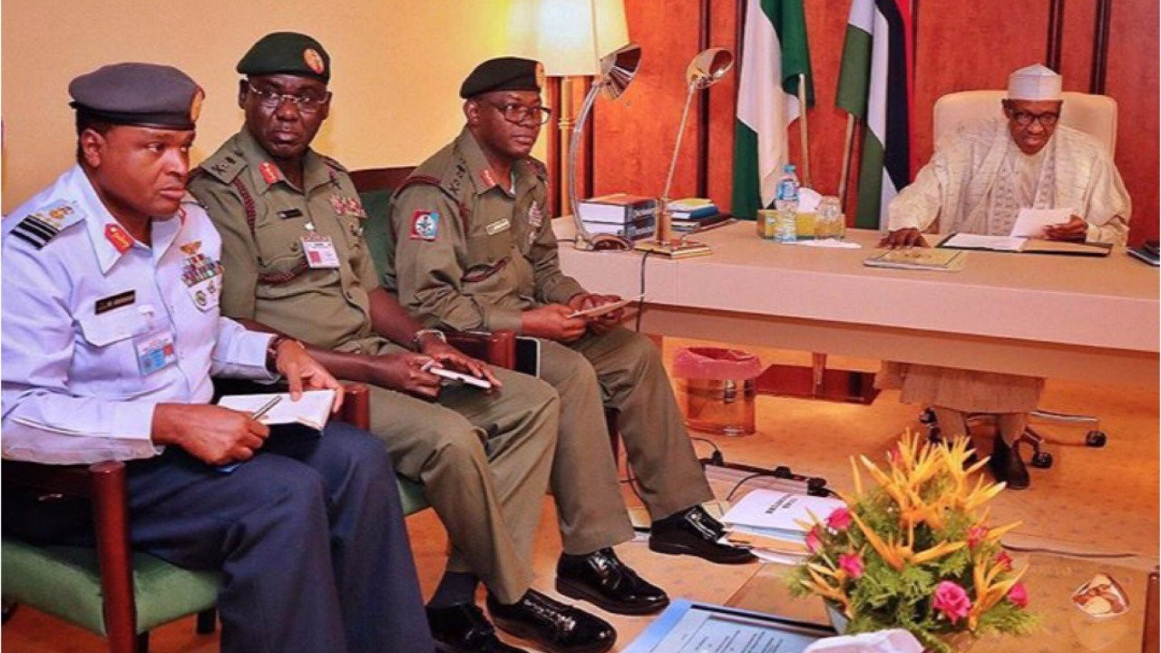 Insecurity: President Buhari in a closed door meeting with Service Chiefs