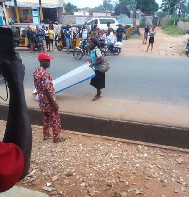 SHOCKING: Woman gifts her husband a coffin on Fathers' Day in Anambra State