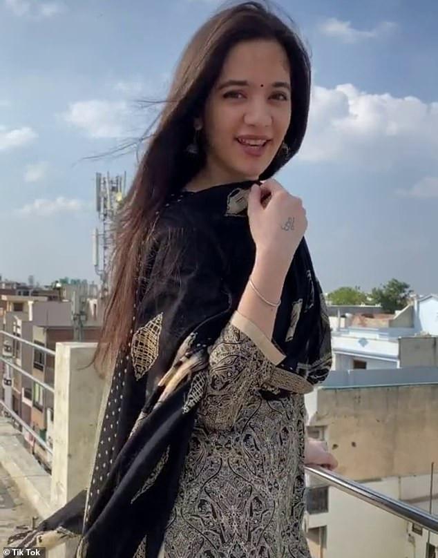 Update: 16-year-old TikTok star Siya Kakkar killed herself