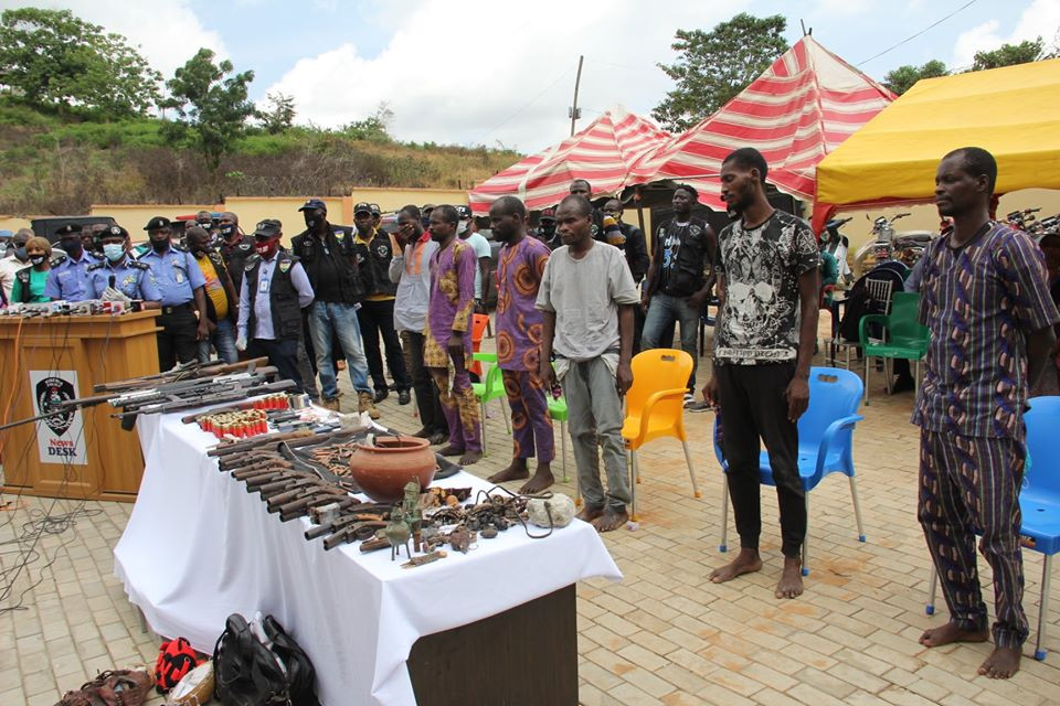 Seven men arrested for multiple bank robberies in Ekiti and Ondo states (photos)