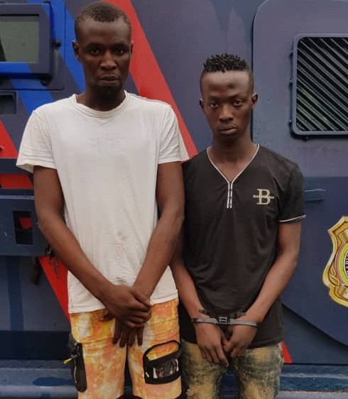 Police arrest two traffic robbery suspects and recover stolen phones