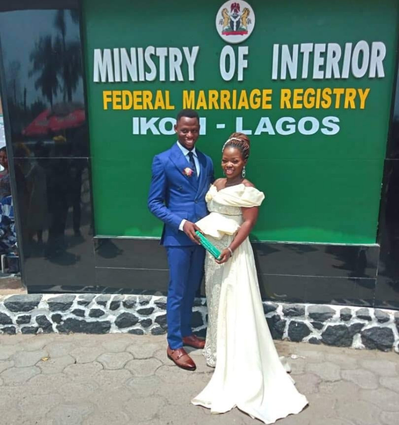 Woman marries Twitter user one year after he sent her a DM with a faceless profile