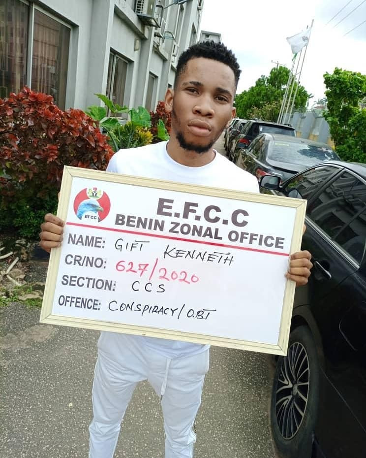 EFCC arrests UNIPORT undergraduate and his girlfriend for suspected internet fraud following FBI