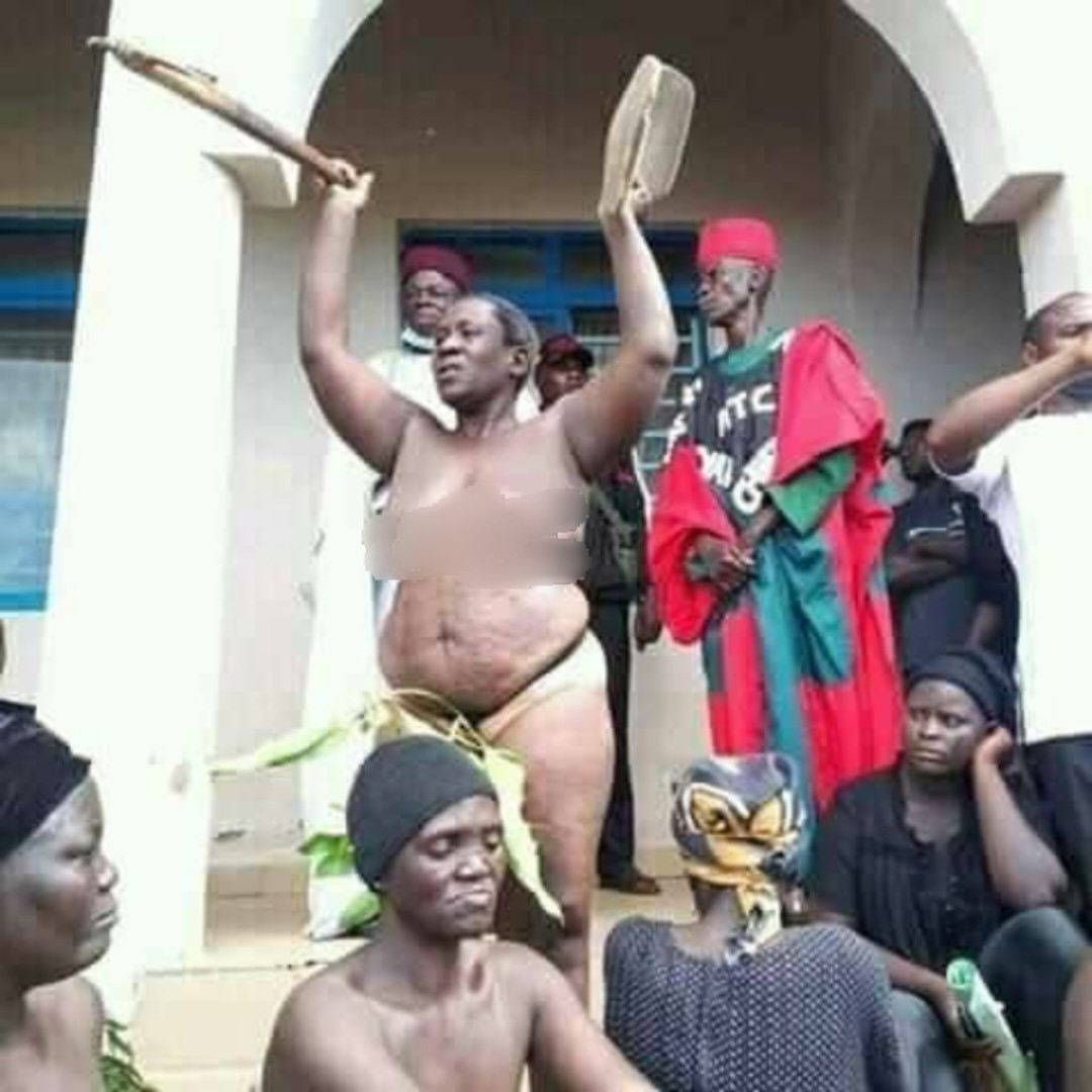 Women strip naked to protest incessant killings in Southern Kaduna (photos)
