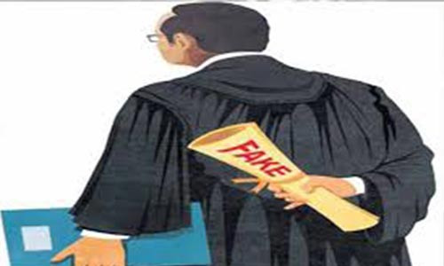 Man who uses his wife?s gown to impersonate lawyers bags three year jail sentence