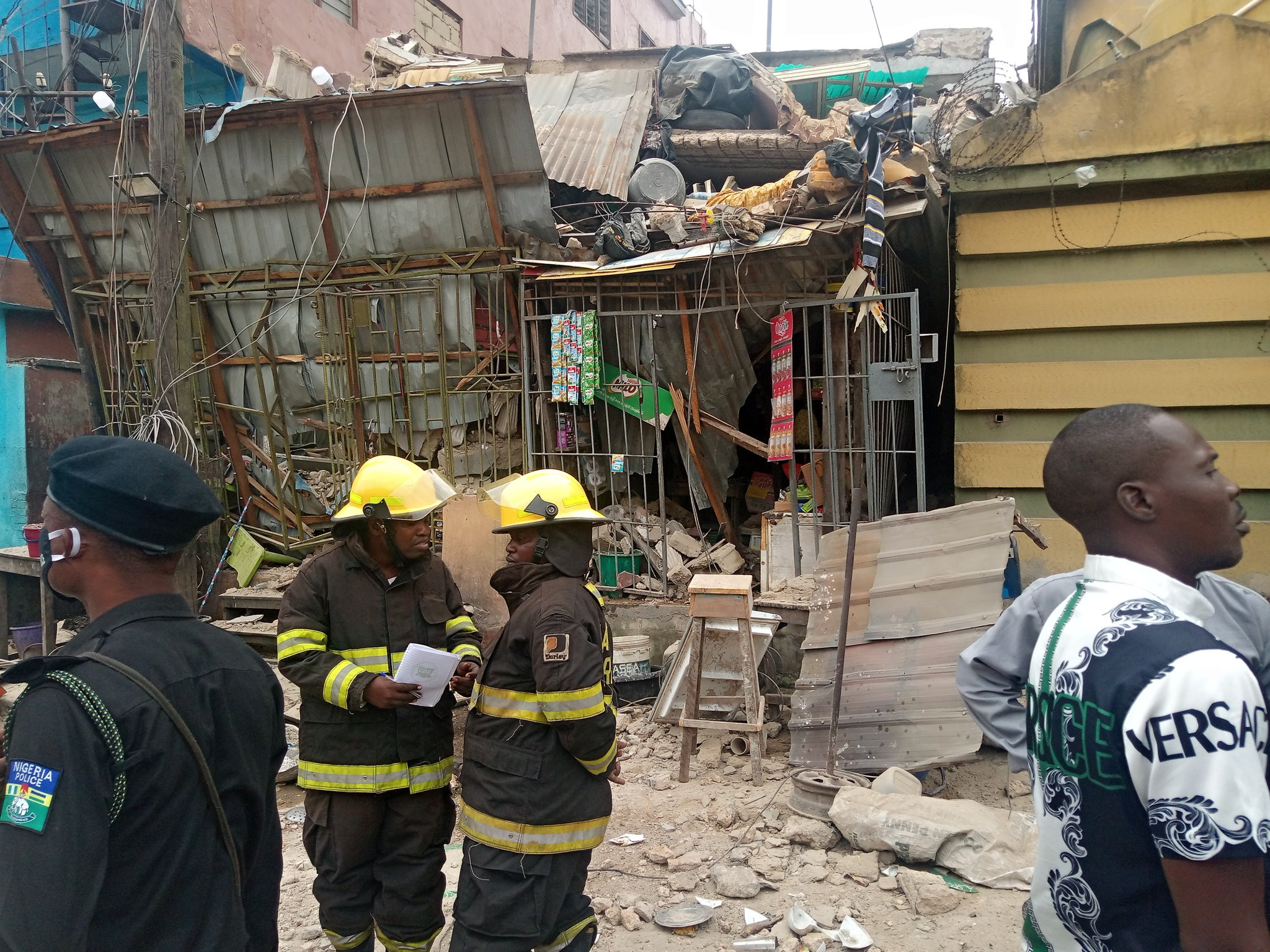 One rescued as three-storey building collapses in Lagos (photos)