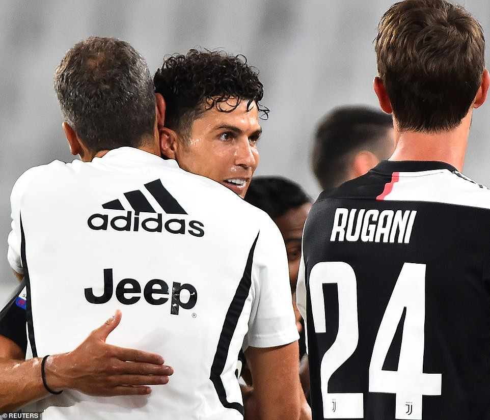 Cristiano Ronaldo and his teammates celebrate as Juventus win ninth consecutive Serie A title (photos)