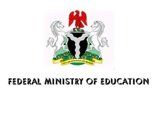 Federal government, states and others review terms for schools reopening