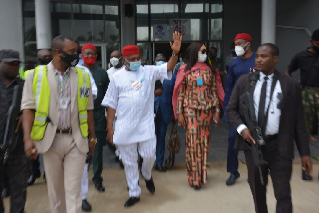 Orji Uzor Kalu receives rousing welcome in Abia as he returns home months after he was released from prison (photos)