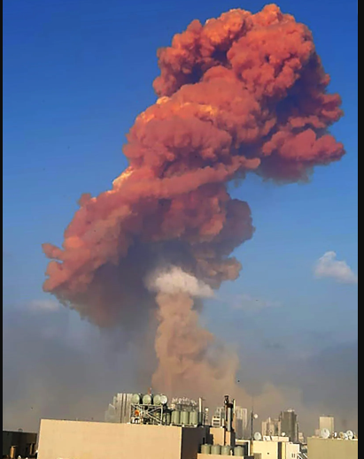 Massive explosion shakes Lebanon's capital Beirut (Videos)