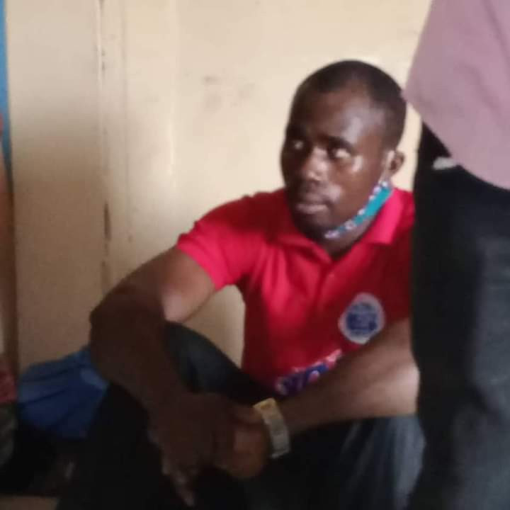 Moment mum tried to prevent the arrest of a pastor who allegedly raped and impregnated her two teenage daughters and promised to marry one (video)