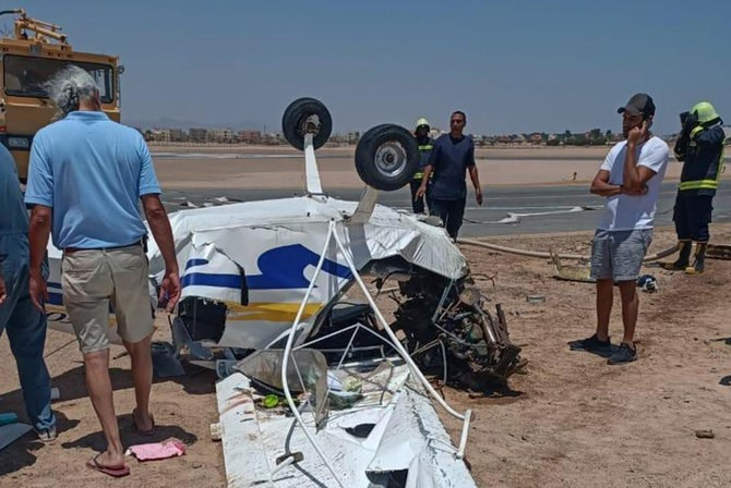 Two dead in light aircraft crash in Egypt pPhotos)