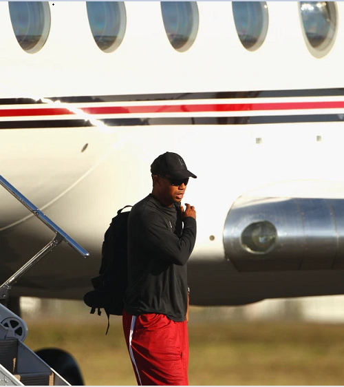 Inside Tiger Woods? ?48m Gulfstream G550 private jet with luxurious seats for 18 passengers and top speed of 680mph (photos)
