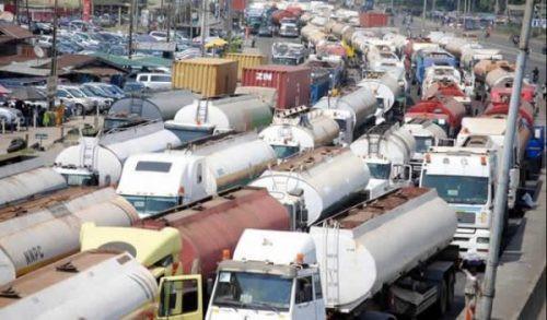 Lagos state petroleum tanker drivers suspend strike