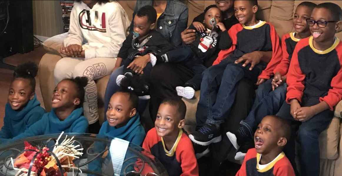 US couple with 14 biological kids explain how they cope (photos/video)