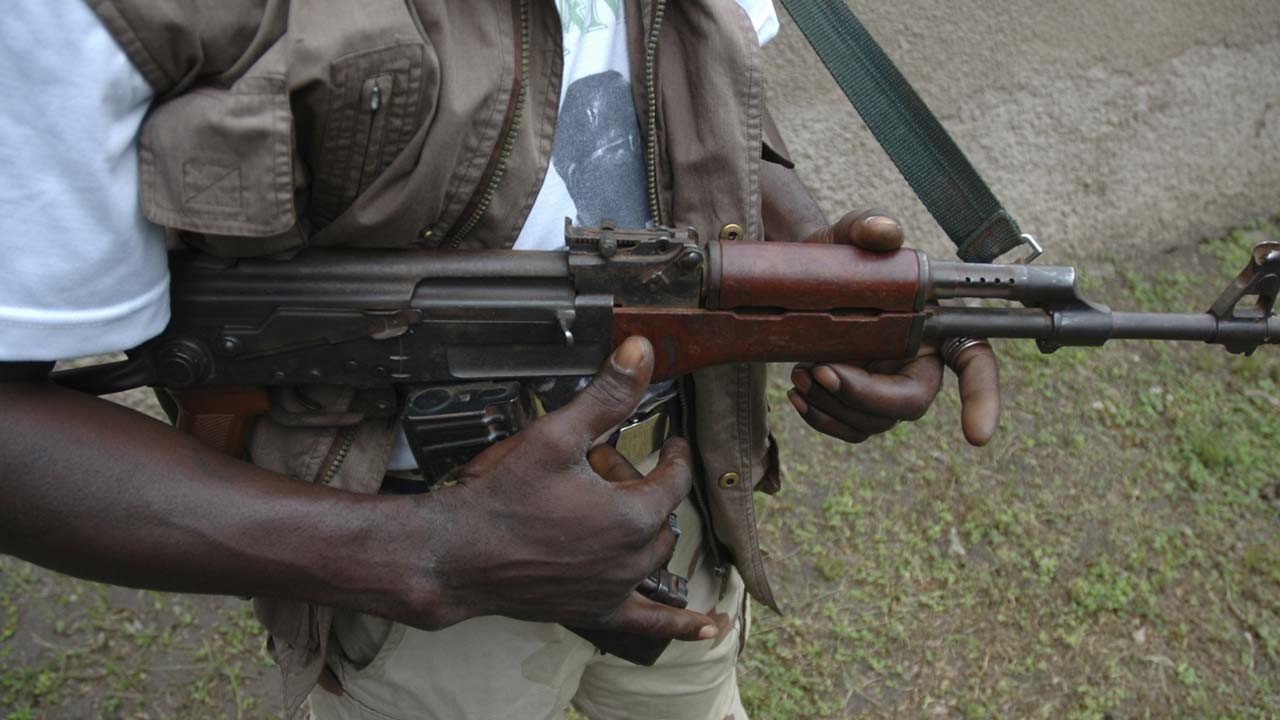 Suspected cultists storm bar in Delta state and kill Polytechnic graduate
