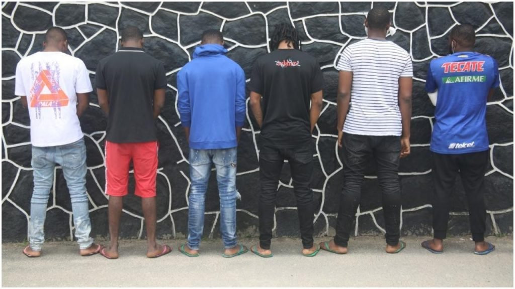 EFCC arrests 15 suspected fraudsters in Lekki