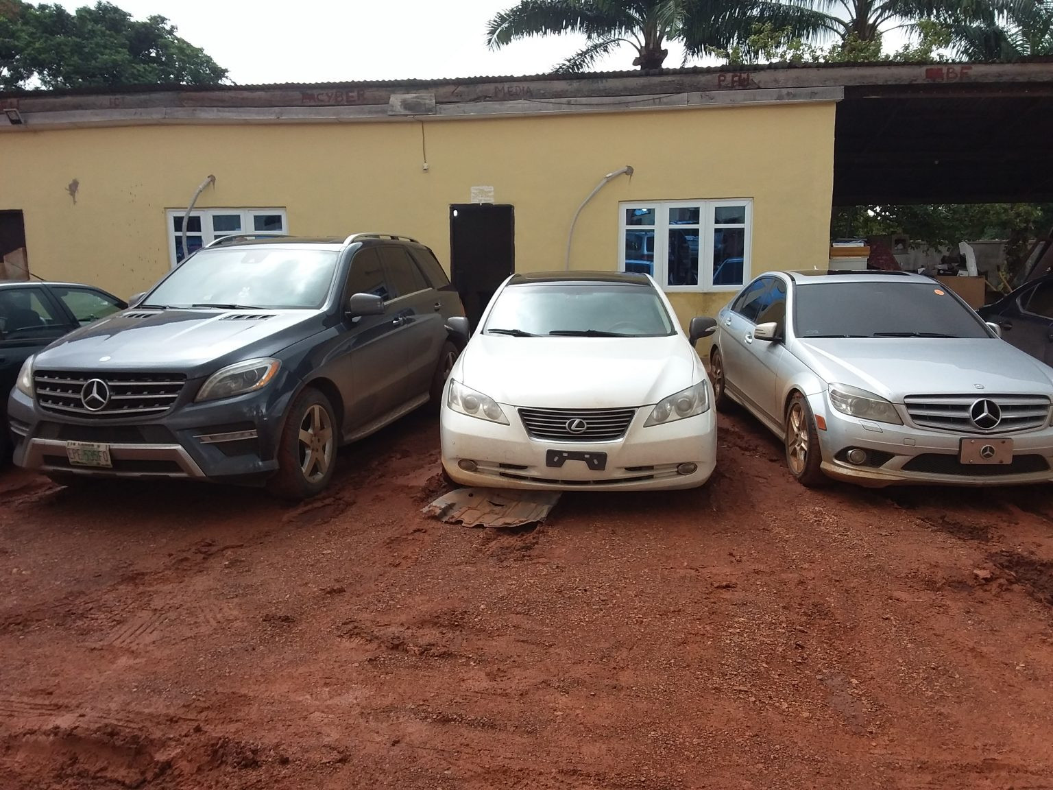 EFFC seized 8 cars, as 14 suspected fraudsters arrested in Anambra