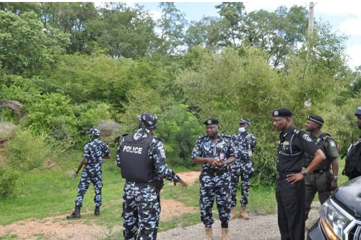 Kidnappers mount roadblock in Kano, abduct 3