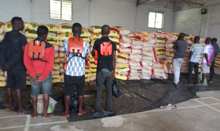 Navy arrests 8 suspected foreign rice smugglers