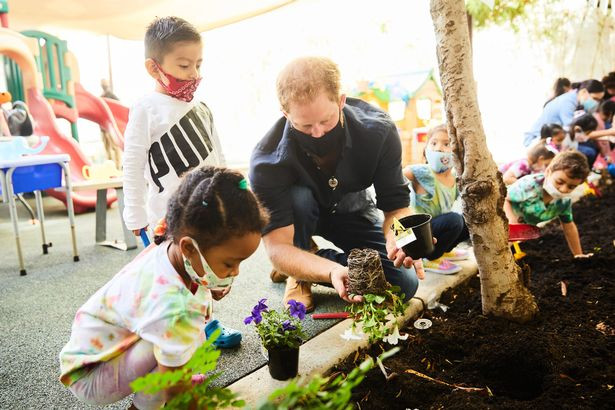Prince Harry and Meghan Markle slammed by parents after they visited a preschool (photos)