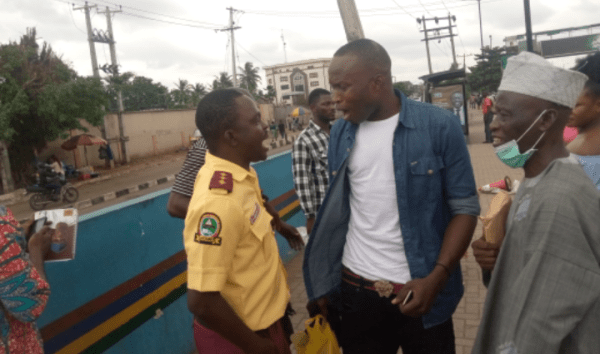 LASTMA officials caught on camera fighting passengers over N100