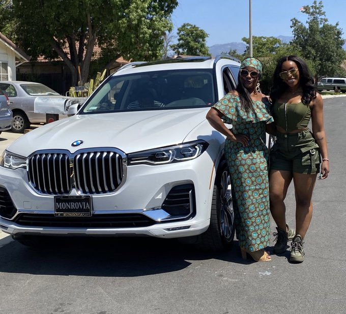 Youtuber Jackie Aina buys her mother a BMW x7 | GO247BLOG.COM