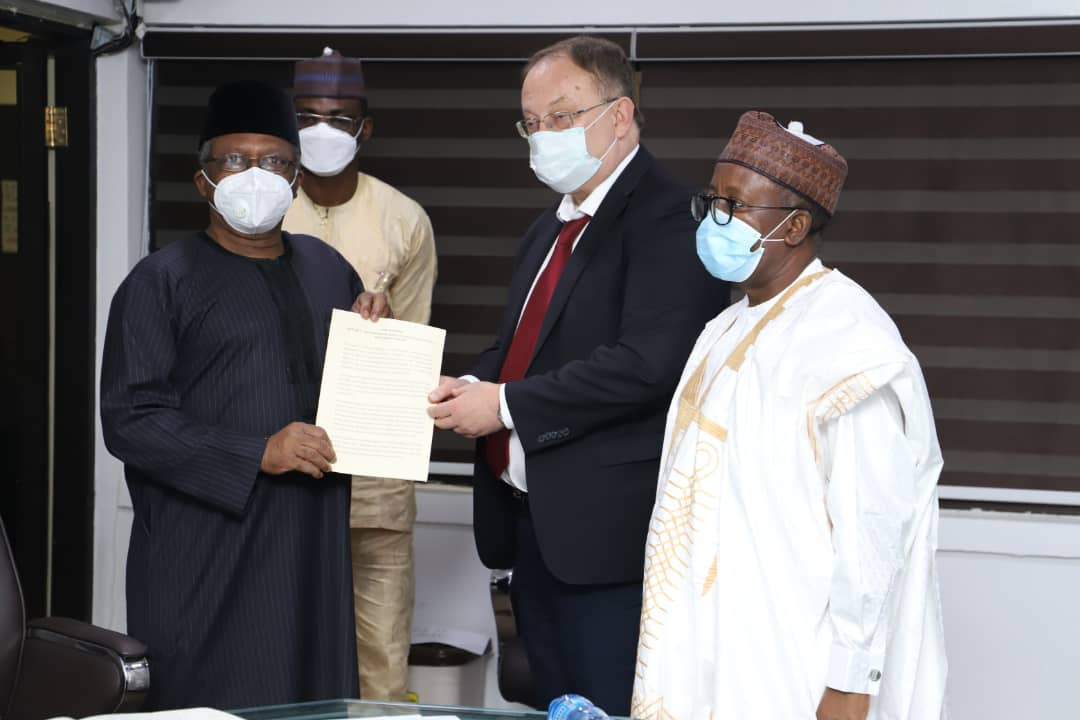 FG receives samples of Russia?s COVID-19 vaccine