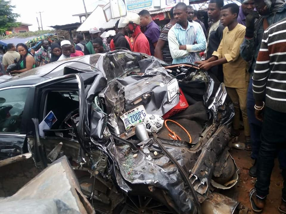 Scores reportedly dead as truck rams into cars in Auchi