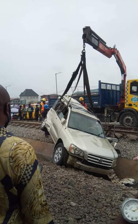 """""""It happened few minutes after I greeted him""""  Friend mourns Anambra businessman crushed to death by train while attempting to save his son sleeping in the car"""