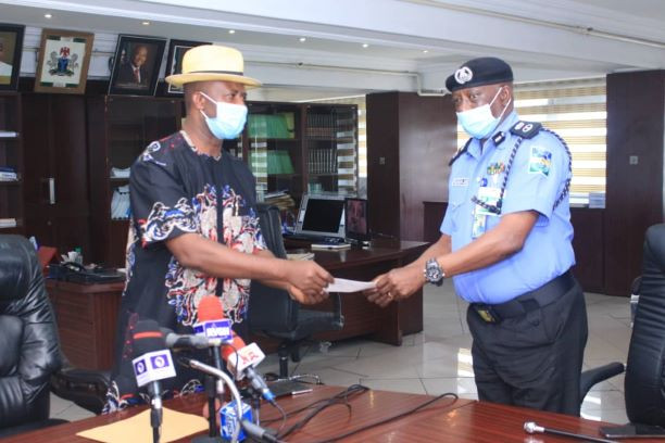 Governor Wike pays police the N30m bounty he placed on Bobosky