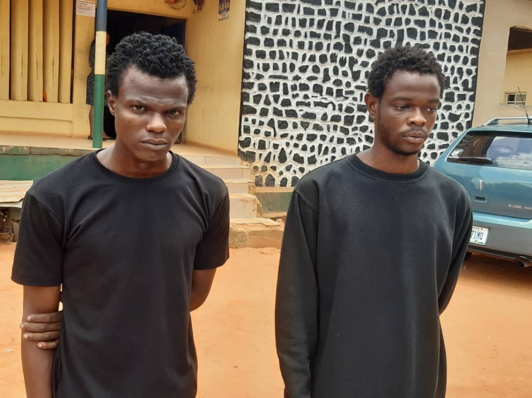 Two brothers arrested for armed robbery in Anambra (photos)