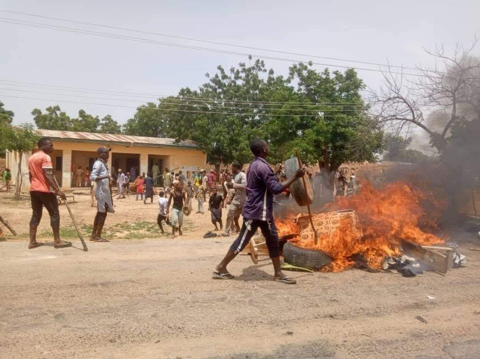 One die as protesting youths raze police station and immigration post in Katsina