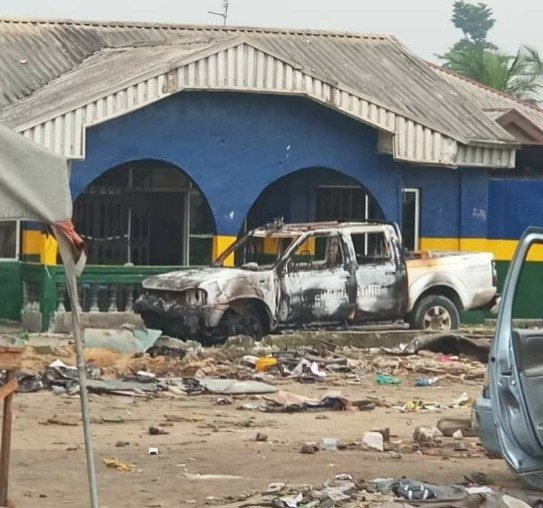 2 allegedly killed as Oyigbo police station is attacked in Rivers State (photos)