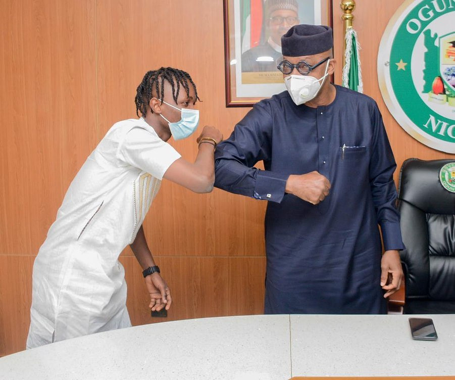 Governor Abiodun donates house and N5m cash to BBNaija winner, Laycon (photos)