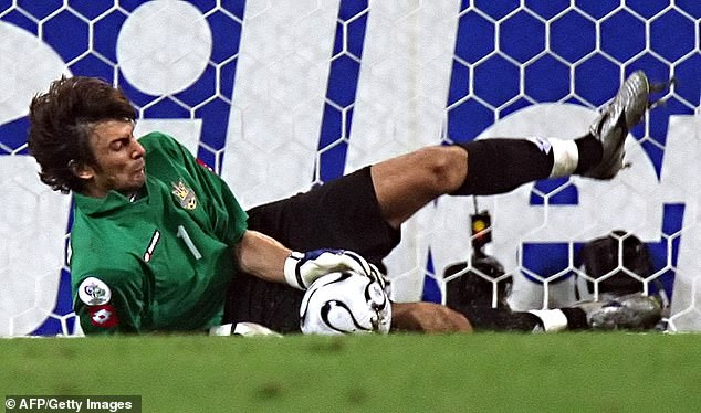 Ukraine includes 45-year-old retired goalkeeper in squad to face France after three other stoppers tested positive for COVID-19