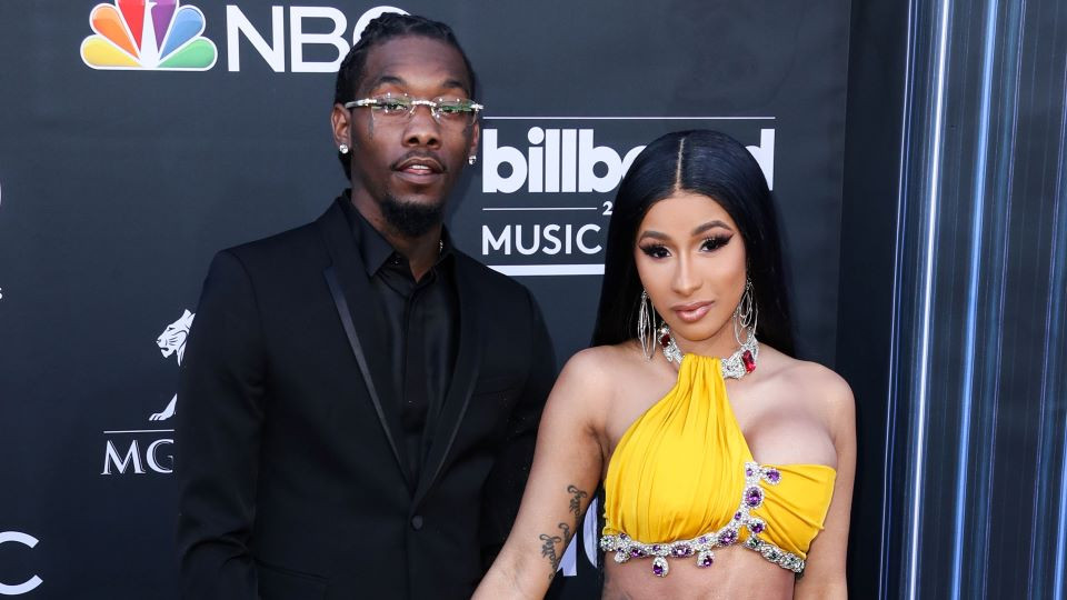 Offset reacts to Cardi B's post about being single again amid their divorce     PEAKVIBEZ