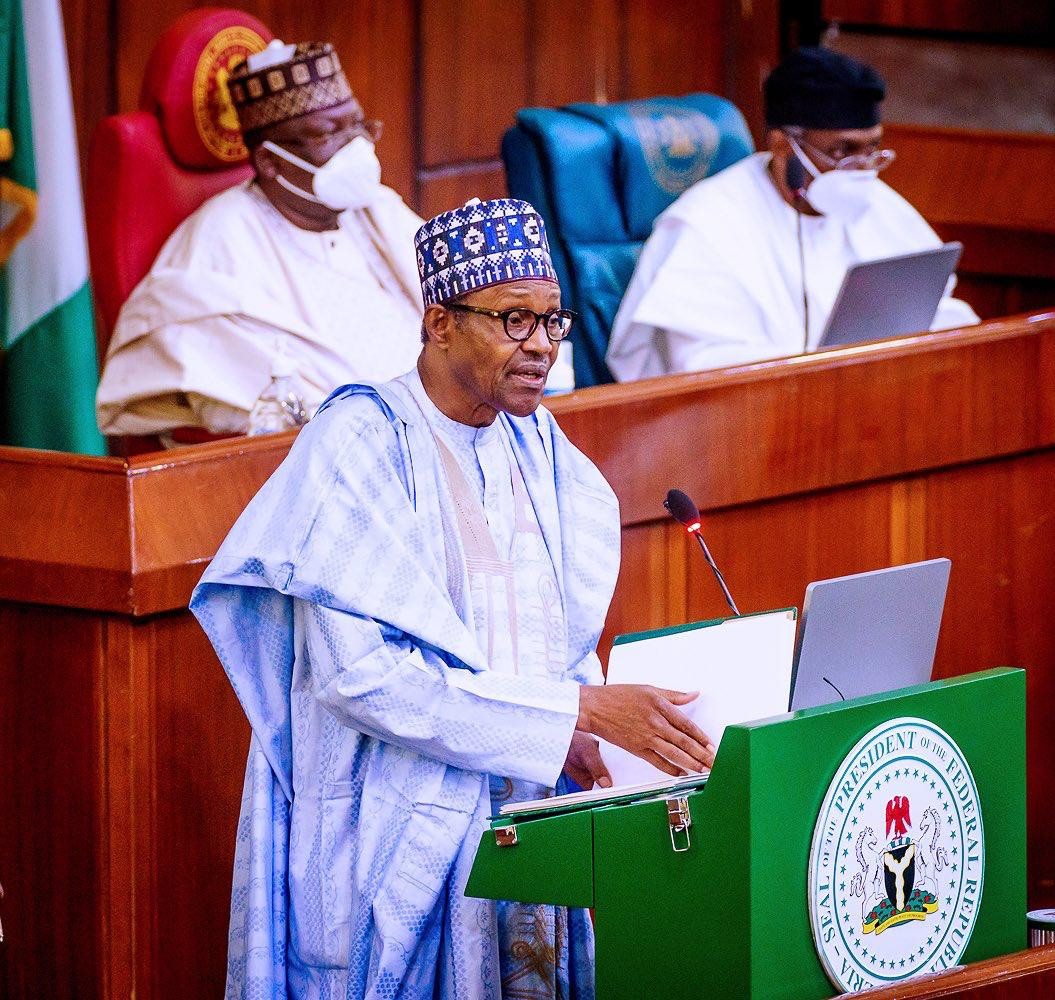 President Buhari presents N13.08trn 2021 budget proposal to National Assembly members(photos)