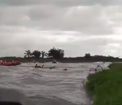 Boat conveying INEC staff and election materials to remote areas in Ondo state capsizes (video)