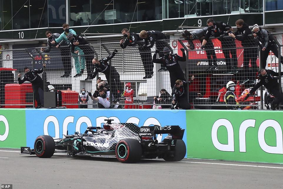 Lewis Hamilton equals Michael Schumacher