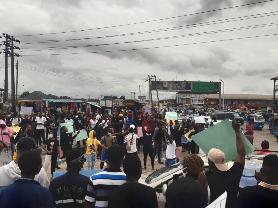 #EndSARS protest rocks Warri (photos/video)